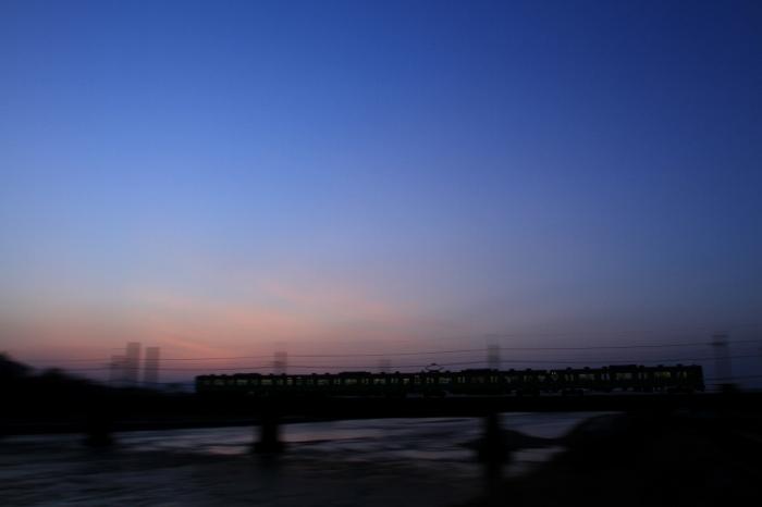 13.03.23 夕暮れのグラデーション 103 黄檗~宇治 17-35F2.8L