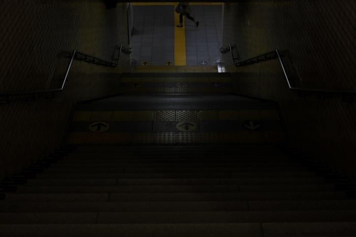 13.04.14 階段の下 京都駅 40F2.8