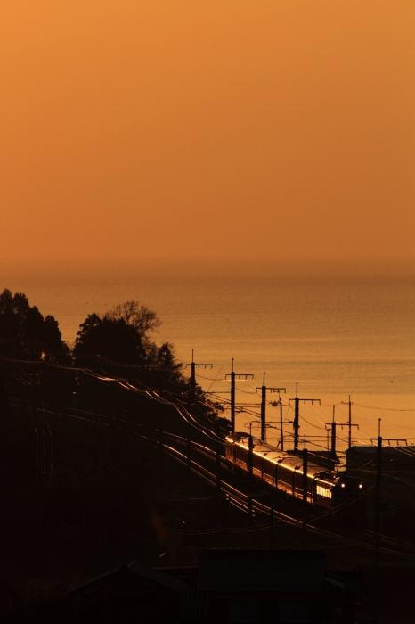13.04.25 朝日に光る 北小松~近江高島 EF81+24 70-300F4-5.6L