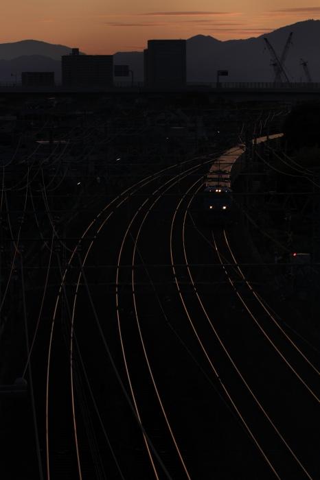 13.07.20 早朝の複々線を下る 長岡京~山崎(名神クロス) 70-300F4-5.6L