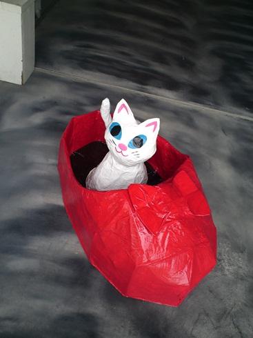 赤い靴を履いた猫