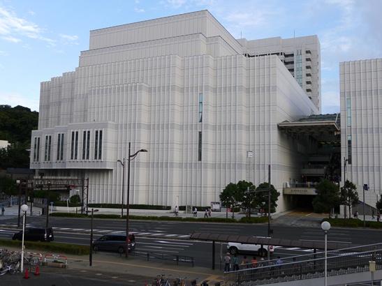 2横須賀芸術劇場