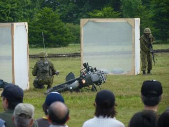 P1010499戦闘訓練展示