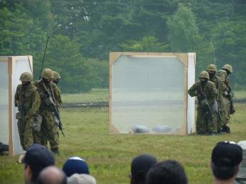 P1010519戦闘訓練展示