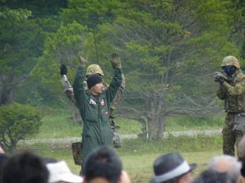 P1010529戦闘訓練展示