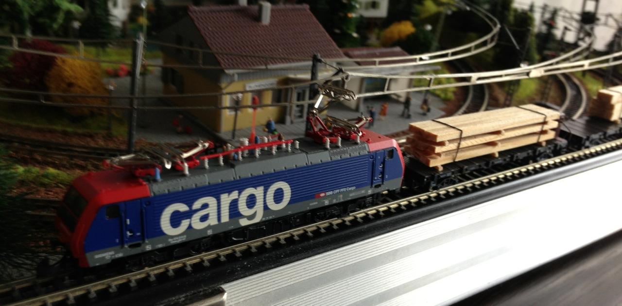 E474Cargo_Train1.jpeg