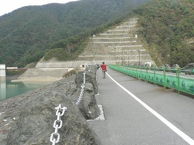 堰堤は500mほどあります