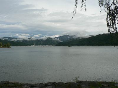 余呉湖です。21日は夕方から雨でした