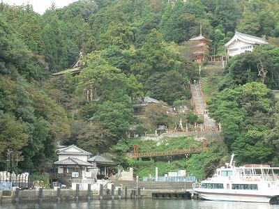 竹生島の施設群です
