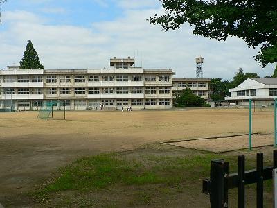 福島2中校庭