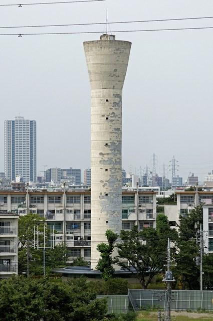 東京都営高砂アパートの給水塔