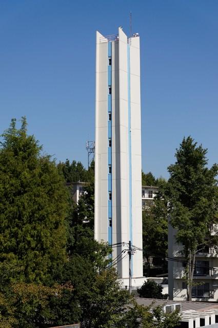 公団寝屋川団地の給水塔
