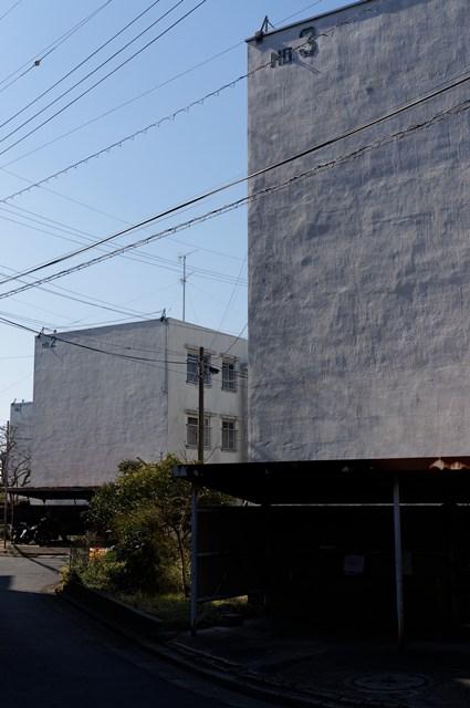 神奈川県営柏尾団地の住棟妻側3連