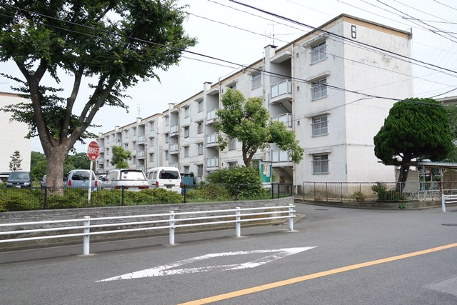 東京都営高砂アパートの中層棟