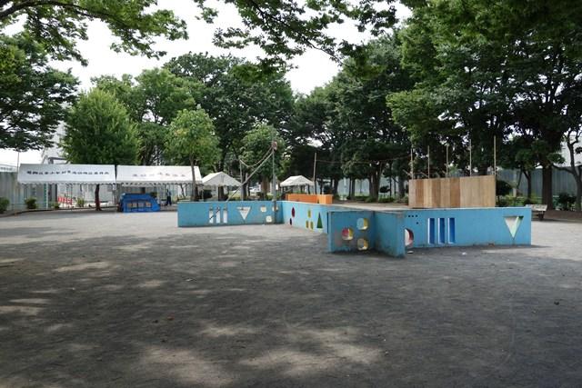 東京都営高砂アパート内の公園