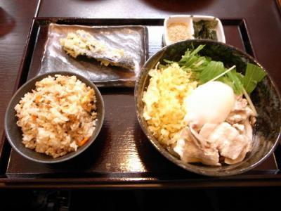 武蔵野うどん じんこ(ぶっかけうどん・かやくセット¥800)