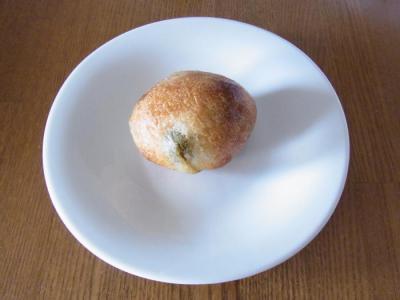 Boulangerie Sudo(自家製オリーブカクテルのプチパン¥150)