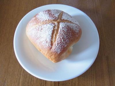 Boulangerie Sudo(ロールパン¥90)