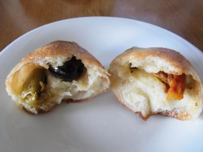 Boulangerie Sudo(自家製オリーブカクテルのプチパン中身)
