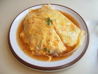 egg nog(ベーコンとほうれん草の四川風オムライス(トウバンジャンソース)¥760)