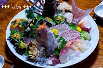 お刺身の大皿盛り~♪い~っぱい。