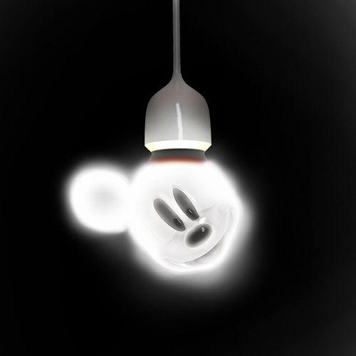 mickey_light_bulb_02.jpg