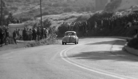 Racing-VW-Beetle-2-71639509.jpg