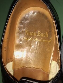 nub heel ロゴ (491x640)