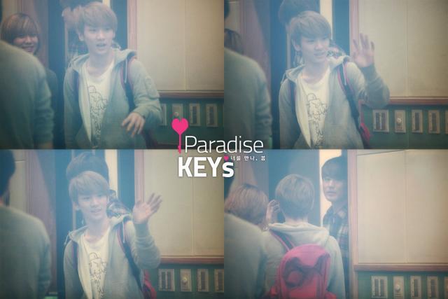 110419Danny's Music Show-Parakey1
