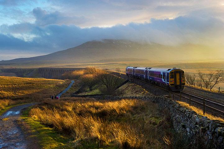 A-train-approaches-Ribble-005.jpg