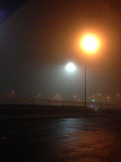 霧の高松空港