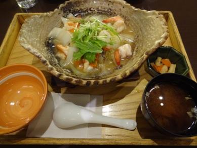 野菜と海老の土鍋あんかけご飯