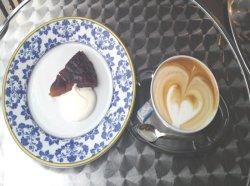 タルトタタンとカフェオレ