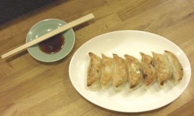 焼き餃子(たれ付き)
