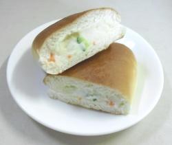 大人気サラダパン(半分)