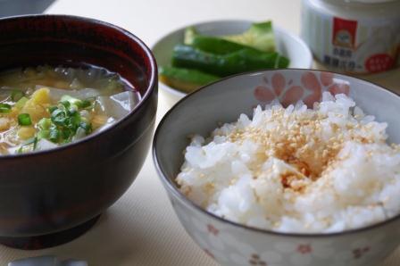 バターライスとレンズマメの味噌汁 w