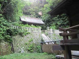 甘縄明神社 階段