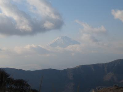 大涌谷から富士を望む