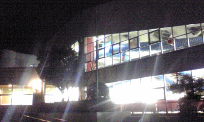 夜の市民プール