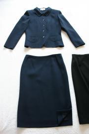 母紺スーツ