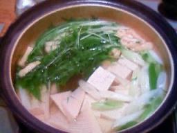 肌寒い4月末の湯豆腐