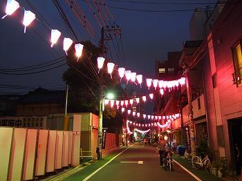 nezu-street3.jpg