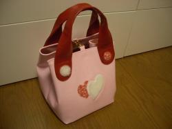 ピンクキューブ型バッグ完成1
