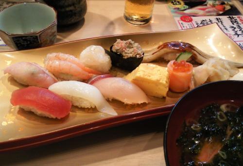 金沢駅百番街あんとで昼食(26.10.10)