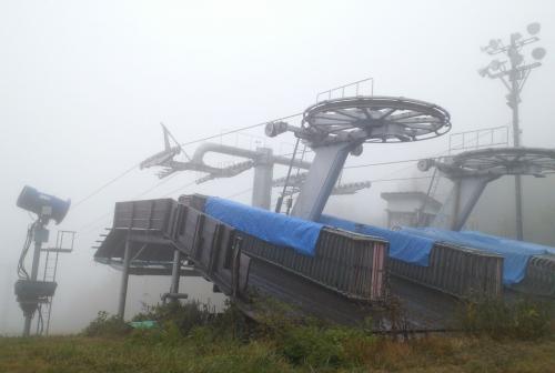 霧のスキー場(26.10.22)