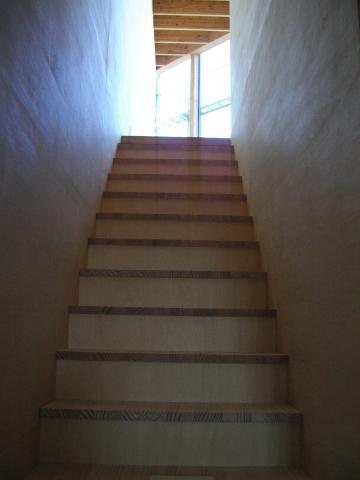 階段造作の様子3
