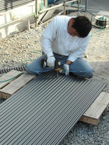 ガルバリウム鋼板張りの様子6