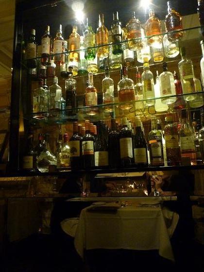 LONDON - Boyds Brasserie bar lounge
