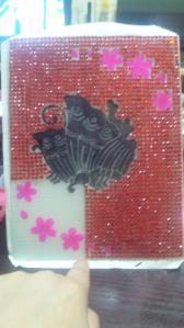 蝶を黒く塗った