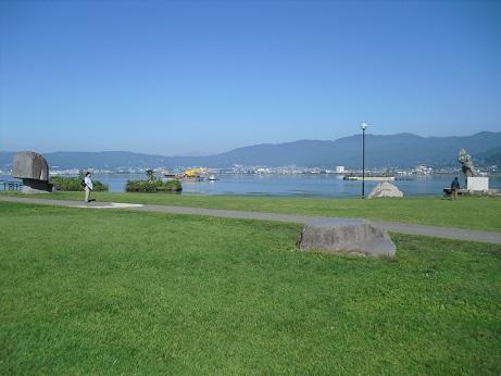2 諏訪湖湖畔の風景